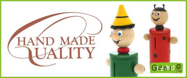 ABAfactory der tschechische Produzent der hochwertigen und sicheren Holzspielzeuge - hochwertige Handarbeit.