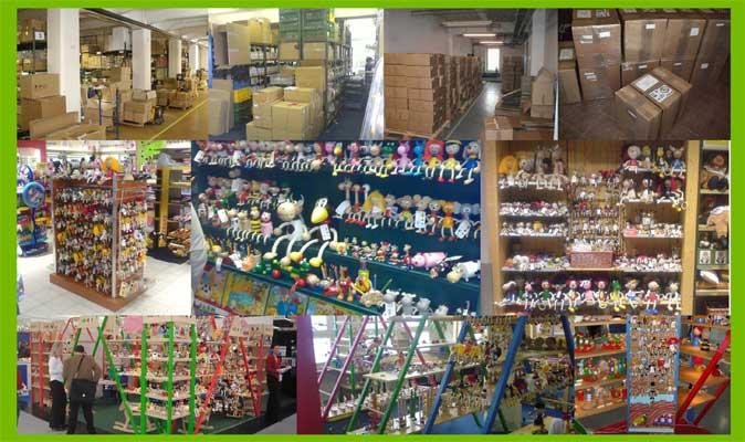 Abafactory der Hersteller von tschechischen hochwertigen Holzspielzeuge - Musterlager und Stapel.