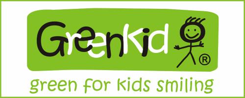 Greenkid Marke der tschechischen Holzspielzeuge. Abafactory Ekoproduktion für Kinder. Green for kids smiling.