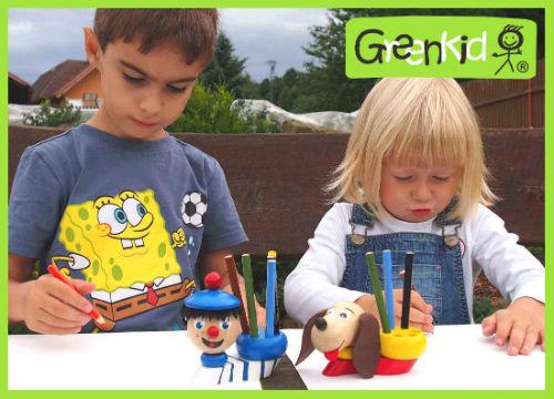 Greenkid Marke der Holzstiftständer und Farbstiftständer. Originelles Spielzeug und Dekoration ins Kinderzimmer. Abafactory der tschechische Produzent der hochwertigen Spielzeuge.